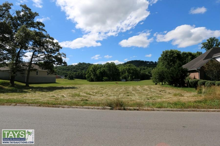 ABSOLUTE ONLINE AUCTION: 0.69 Ac± LOT IN WHITE PLAINS