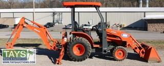 Kubota B26 Loader Backhoe